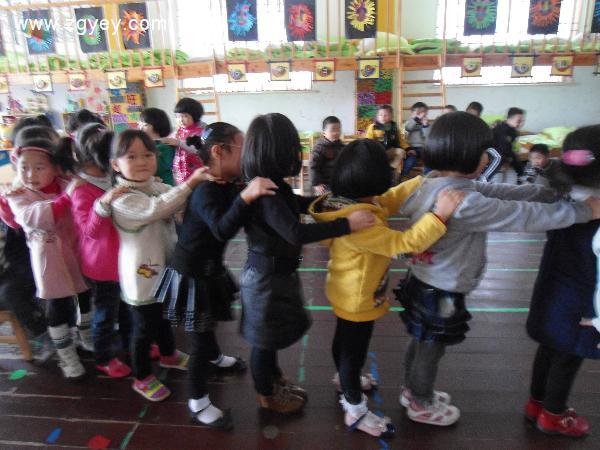 2013年浙江台州温岭市横峰街道中心幼儿园招聘幼儿教师公告