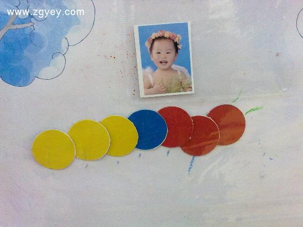 孩子们都认识的图形去拼各种造型