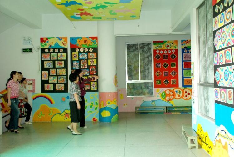 """2011年庆祝""""六一""""国际儿童节——中山大学领导,海珠区"""