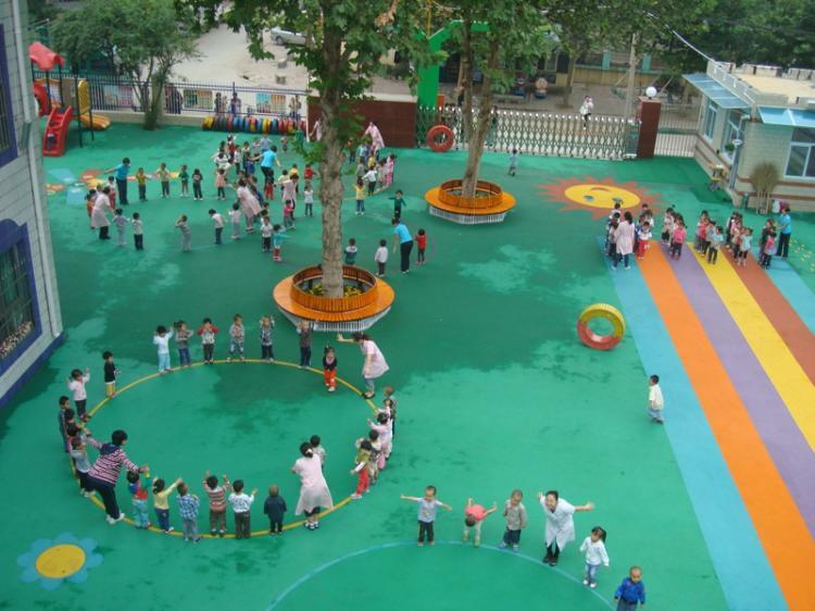 幼儿园操场跳房子俯视图