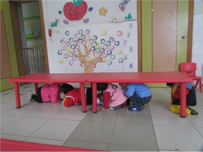 幼儿防火,防地震演练-佳木斯市农垦幼儿园