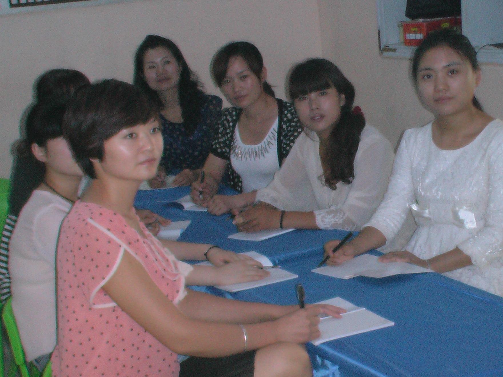 蓓蕾幼儿园开展教师礼仪培训